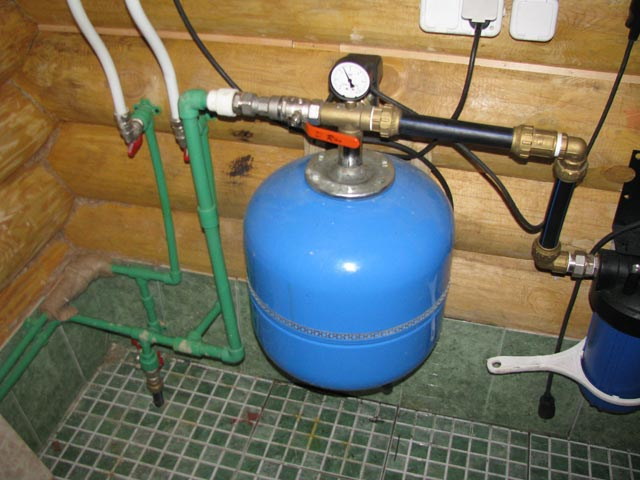 Как сделать водопровод своими руками?